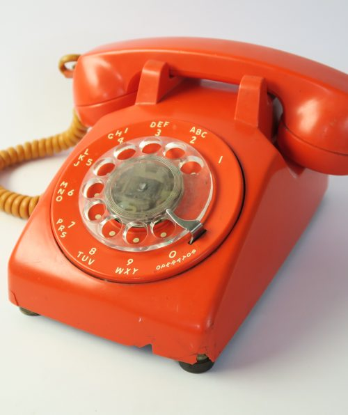 Teléfono naranjo